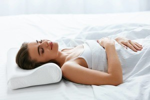 Best Pillows for Back Sleepers - restiwithstyle.com