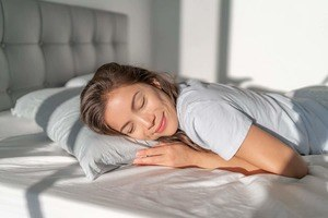 Best Pillows for Stomach Sleepers - restiwithstyle.com